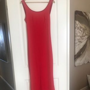 Long red dress. Thin and stretchy fabric.